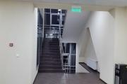 Лестница в офисном здании ВЕЗА