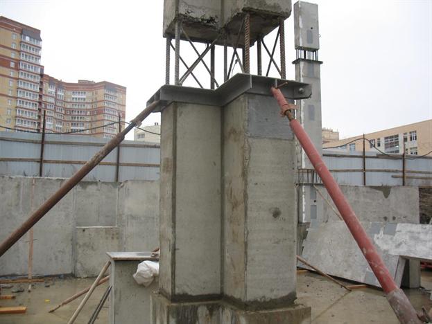 Закрепление колонн на время монтажа инвентарными связями